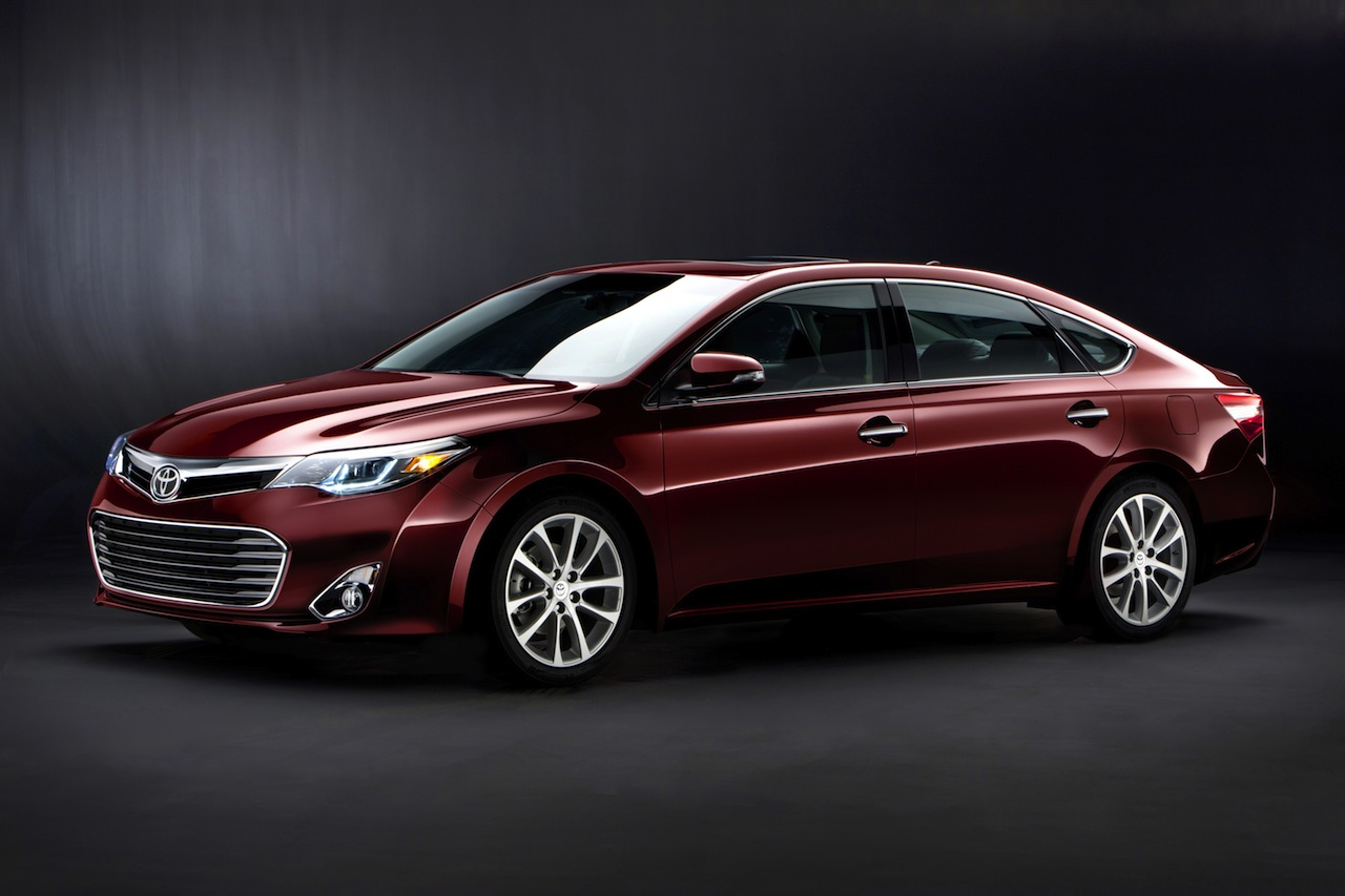 the sensational new 2013 toyota avalon makes world debut at the 2012 new york international auto. Black Bedroom Furniture Sets. Home Design Ideas