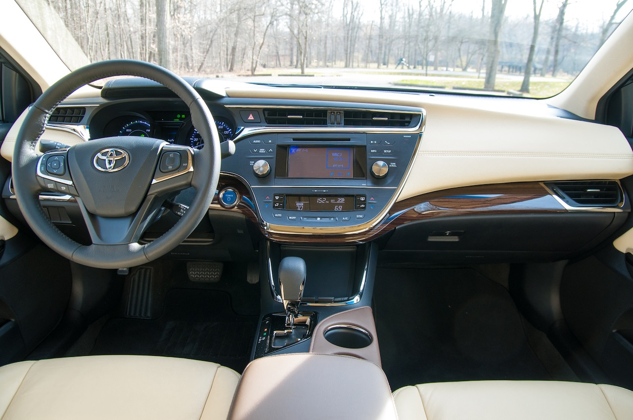 2015 Toyota Avalon Hybrid | Price, Release date & Review