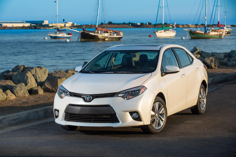 2014_Toyota_Corolla_LE